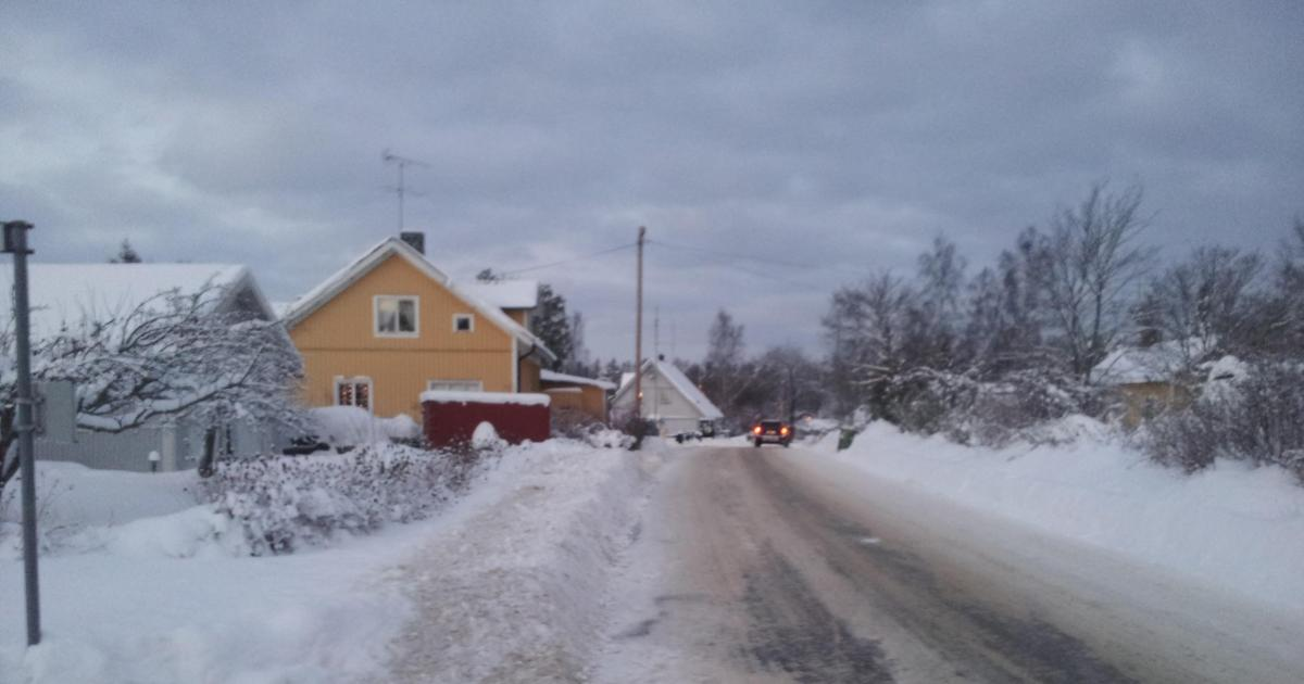 Trafikräkning Grödby Trafiken har ökat med 90%! Vi föreslår belysning och trottoarer längs aktuell vägsträcka.