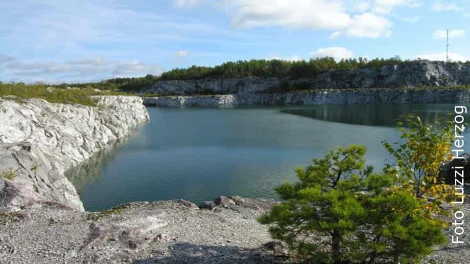 2014-01-31 - Vi frågar om miljöfarlig verksamhet i Stora Vika - Finns det miljöskadliga ämnen och gifter kvar från tidigare verksamheter och är det ofarligt att bo i Stora Vika för nuvarande och kommande generationer?