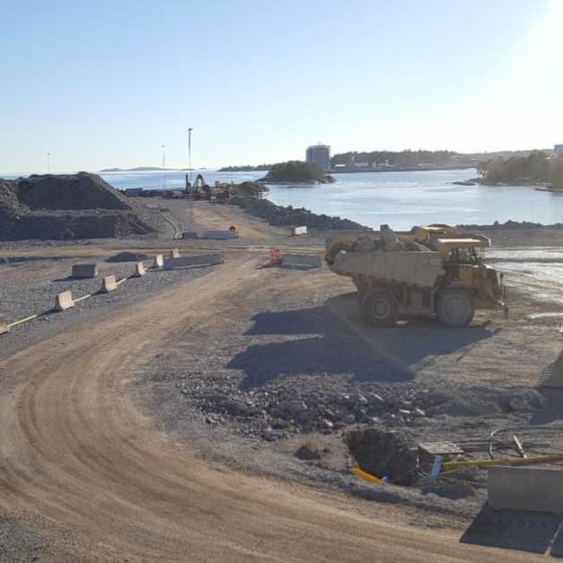 2017-06-30 - Nynäshamn nuläge och vägar framåt - kartläggning och analys av effekterna av Norviks hamn - Möjligt med 3 000 nya arbeten på Södertörn till år 2030. 600 nya invånare i vår kommun (+50 nya/år) och 170 nya bostäder ( +14 / år).