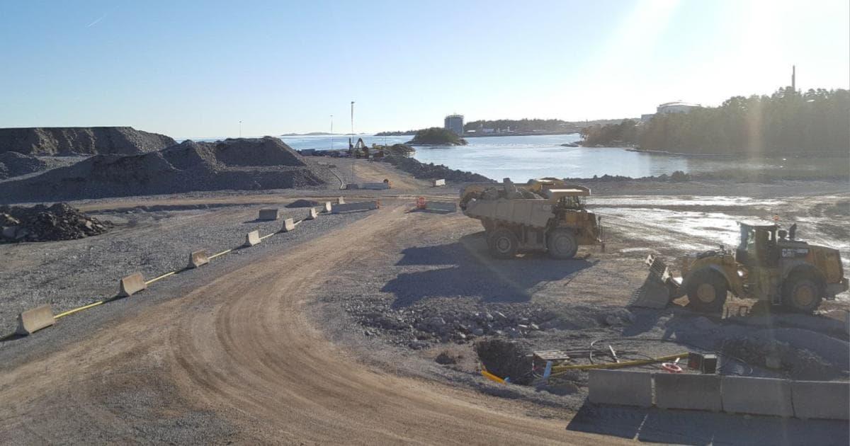 Nynäshamn nuläge och vägar framåt - kartläggning och analys av effekterna av Norviks hamn Möjligt med 3 000 nya arbeten på Södertörn till år 2030. 600 nya invånare i vår kommun (+50 nya/år) och 170 nya bostäder ( +14 / år).