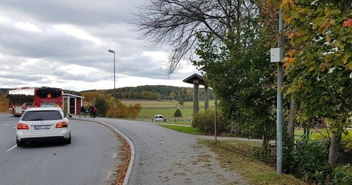 Fordonsmätning vid Sorunda Kyrkskola Fordonsmätningen utfördes från 2017-10-11 kl. 14.30 till 2017-10-18 kl. 14.30. Fordonsmätaren monterades öster om busshållplatsen mellan kyrkan och skolan.