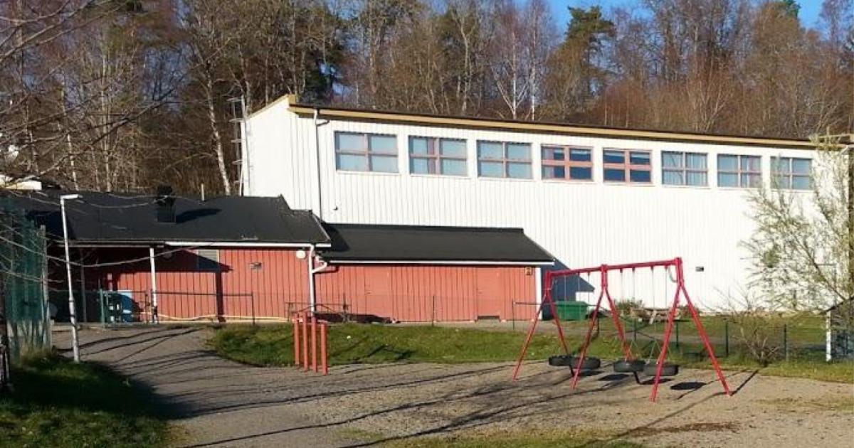 2017-12-29 - Frågor om hyressättning för den stängda idrottshallen i Stora Vika - Hur mycket är det självkostnadspris för idrottshallen i Vika skola när lokalen blev tomställd och övergick till fastighetsavdelningen?