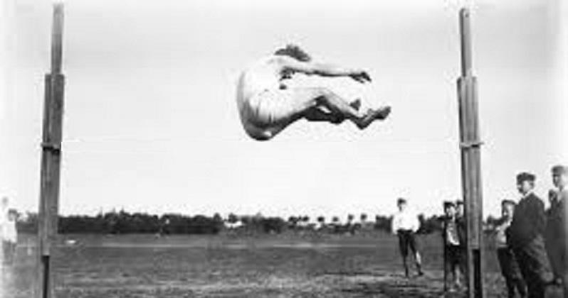 Kommunstyrelsens verksamhetsplan saknar mätbara mål Som att hoppa höjdhopp utan ribba!