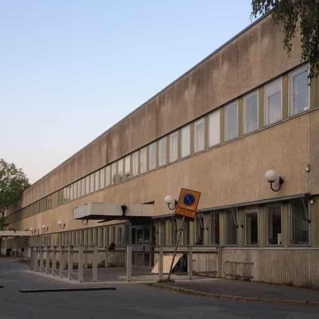 2020-10-21 - Särskilt yttrande gällande yttrande över remiss - motion om att bygga om delar av sjukhuset till skola - En skola behöver en skolgård, byggnaden är i stort behov av renoveringar och oklart om vår kommun kommer att äga byggnaden i framtiden.