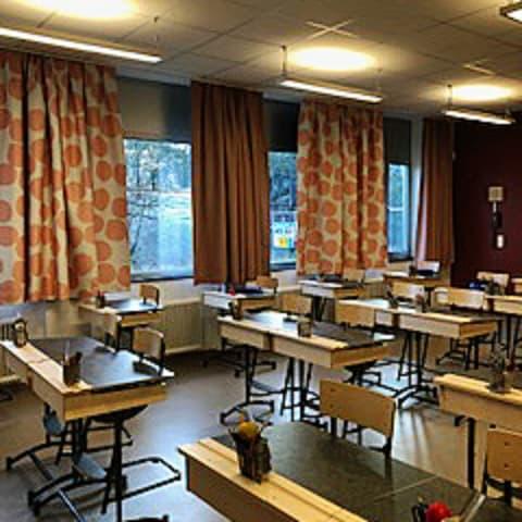 2020-10-22 - Tilläggsyrkande investeringsbeslut Återuppbyggnad Lilla Gröndal - Vi vill att Lilla Gröndal projekteras och planeras flexibelt så att den kan utökas till ett större elevunderlag.